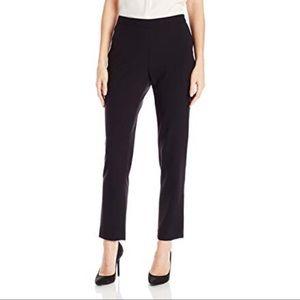 Ellen Tracy Black Tapered Trousers sz 2
